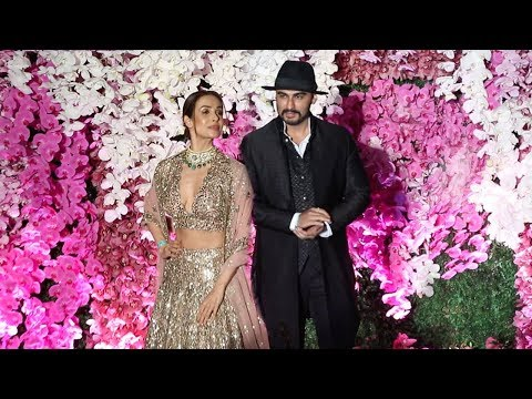 Arjun Kapoor & Girlfriend Malaika Arora arrive TOGETHER At Ambani's WEDDING Reception