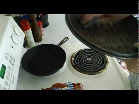 restoring cast iron removing light rust from cast iron youtube. Black Bedroom Furniture Sets. Home Design Ideas