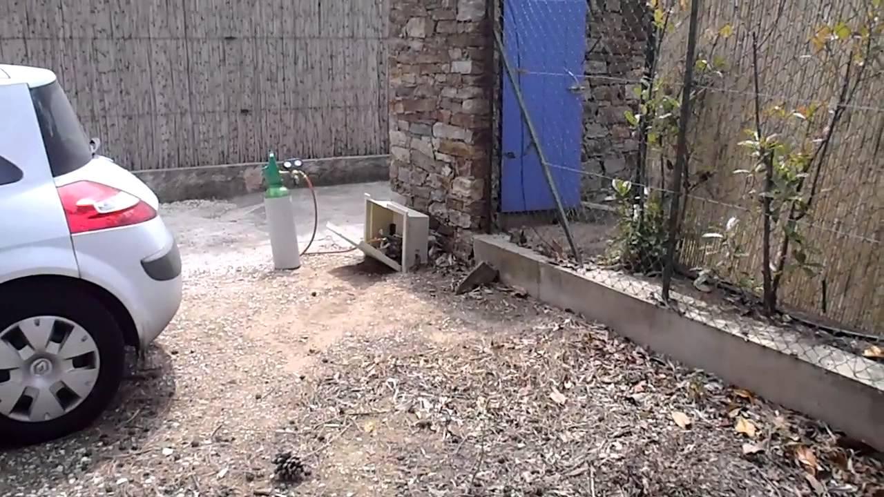 fuite d 39 eau entre compteur et habitation youtube. Black Bedroom Furniture Sets. Home Design Ideas
