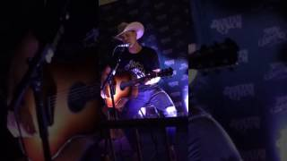 Dustin Lynch New song - Love me or leave me alone