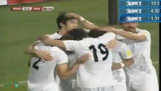 Иранский форвард  забил мяч боковыми ножницами в игре с Черногорией