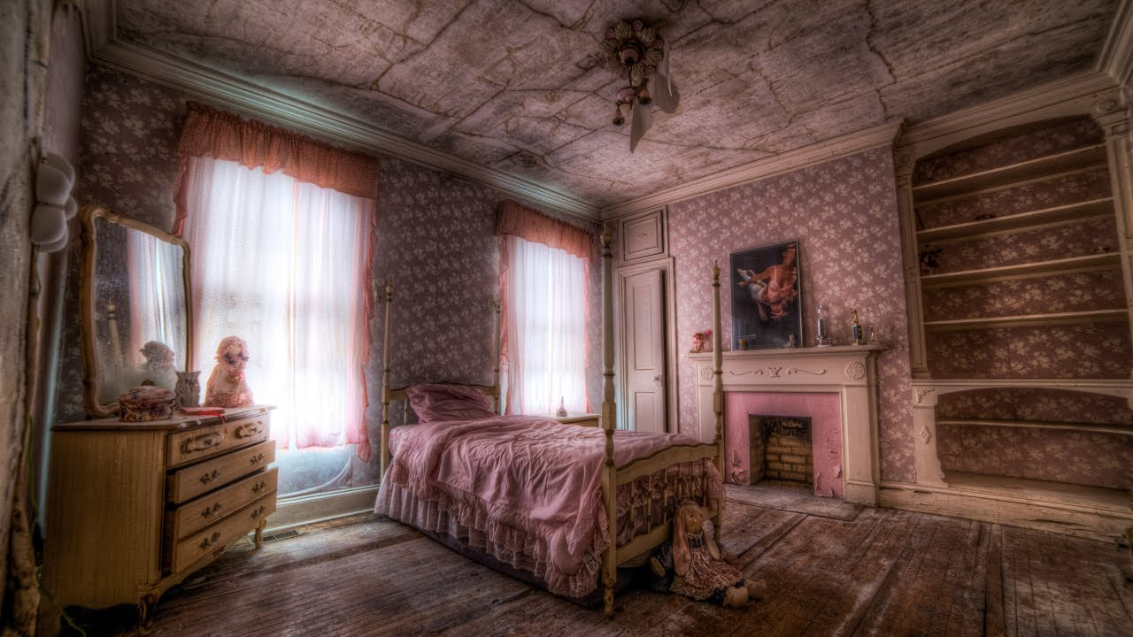Abandoned Mansion w/ Little Girl\'s Pink Bedroom Stuck in Time