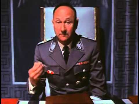 Donald Pleasence play Himmler