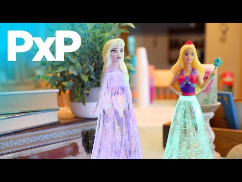 Tara Toys' Light 'N Sparkle Elsa Doll shines like an ice queen! | A Toy Insider Play by Play