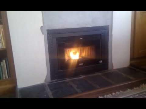 Ravelli Box R1000 wood pellet insert stove. - YouTube