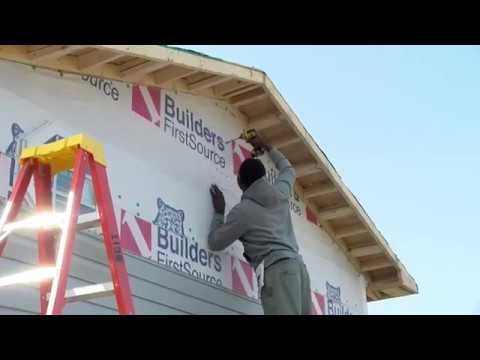 Darlington County Institute of Technology students build a house
