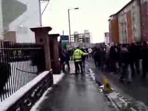 Jambos outside Easter Road