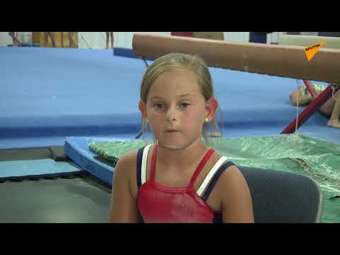 Οκτάχρονο κορίτσι χωρίς πόδια ακολουθεί το όνειρό του και γίνεται αθλήτρια γυμναστικής