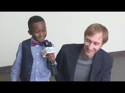 شاهد: طفل أمريكي يدعو أصدقاءه لجلسة تبنيه بالمحكمة  - نشر قبل 2 ساعة