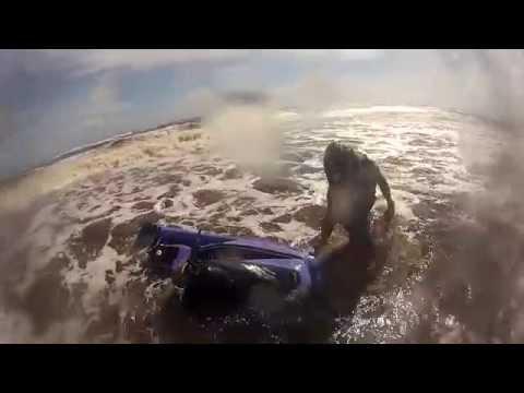 offshore wreck, waveblaster jet ski sinks t the bottom