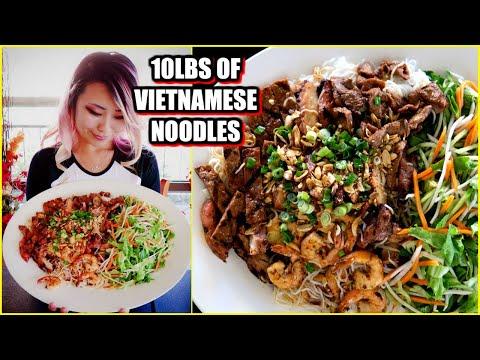 10lbs Of Vietnamese Dry Noodles In San Diego!!! #RainaisCrazy