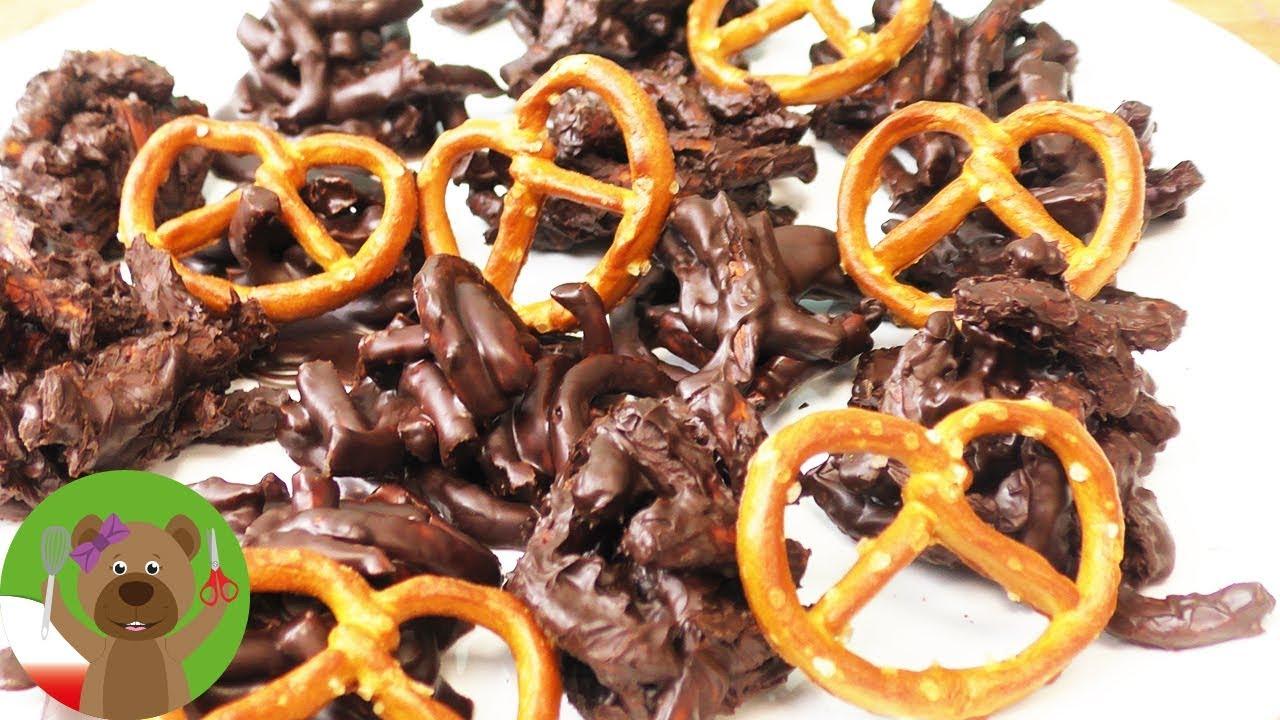 Crossies z pokruszonych precelków polanych czekoladą | Party Snack Idea