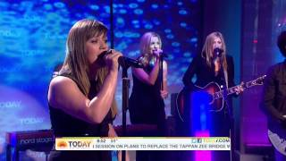 Kelly Clarkson - Mr. Know It All (Live Today Show) 25.10.2011 HD