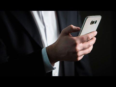 Ministério da Saúde lança serviço de combate à fake news | SBT Notícias (04/09/18)