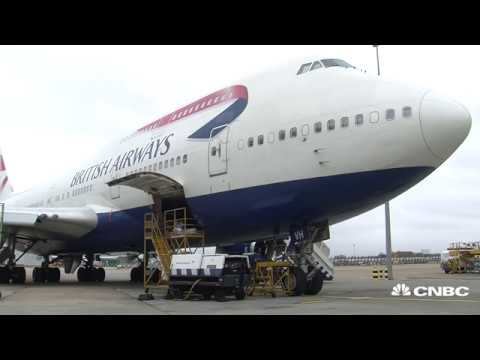 Is the Boeing 747 in trouble? | CNBC International