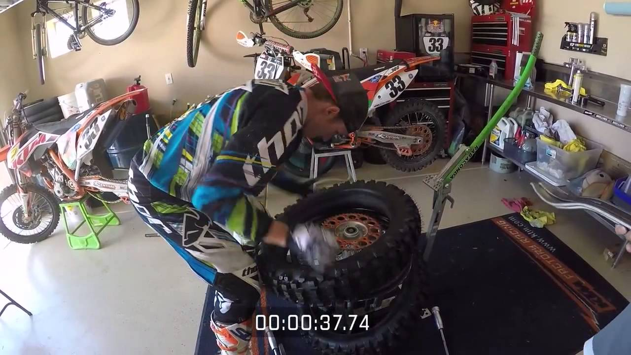 Rabaconda Taylor Robert Changing A Dirt Bike Tire In Less Than A