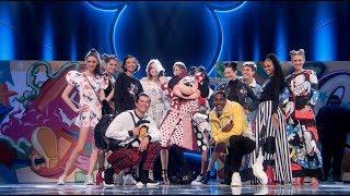Minnie's Fashion Show - Mickey's 90th Spectacular