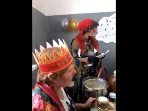 Сценка «Поздравление от Баба Яги» на День рождения сотрудницы 75
