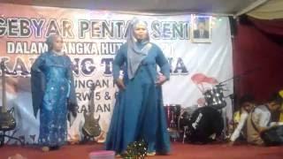 WOW...HEBOH BANGET.....Fashion Show Ibu-ibu Gendut part 3