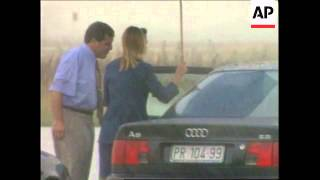 1999 - Kosovo: Ibrahim Rugova Returns home