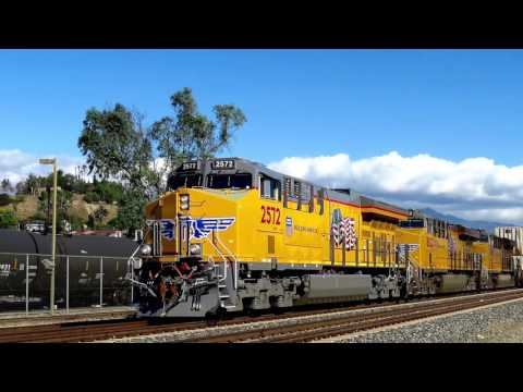 Union Pacific Tier 4 Brand New Locomotive! in 4K