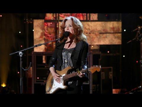 Bonnie Raitt Performs'Gypsy in Me'