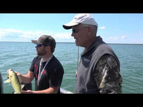 Walleye Fishing The St. Marys - Season 1/Episode 7