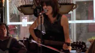 Chrissie Hynde - Angel Of The Morning