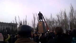 Ленин упал Николаев(, 2014-02-23T12:51:28.000Z)