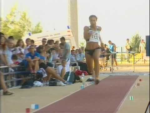 Atletismo :: Naide Gomes, campeã nacional do salto em comprimento em 2006