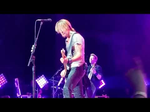 Somebody Like You and With or Without You,  Keith Urban great guitar riffs