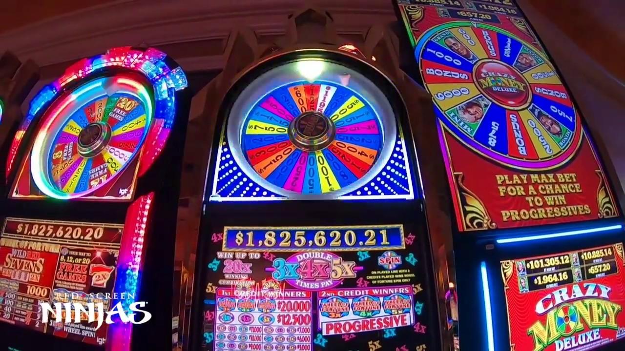 Red screen slot machine jackpot