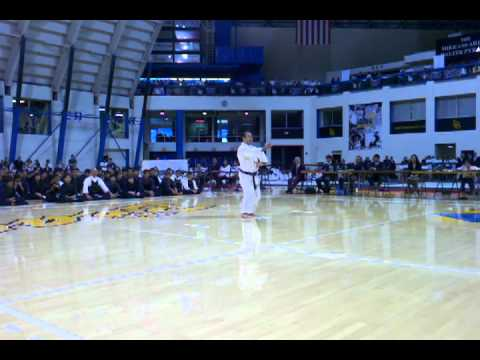 Si Sochin Karate Kata Nikkei Games 2011 performed by Kevin Suzuki