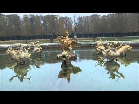 Versailles Garden, beautiful sightseeing on the way to Trianon