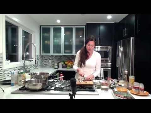 Episode 2: Vegan Meatloaf, Mushroom Gravy & Mashed Potatoes For Thanksgiving