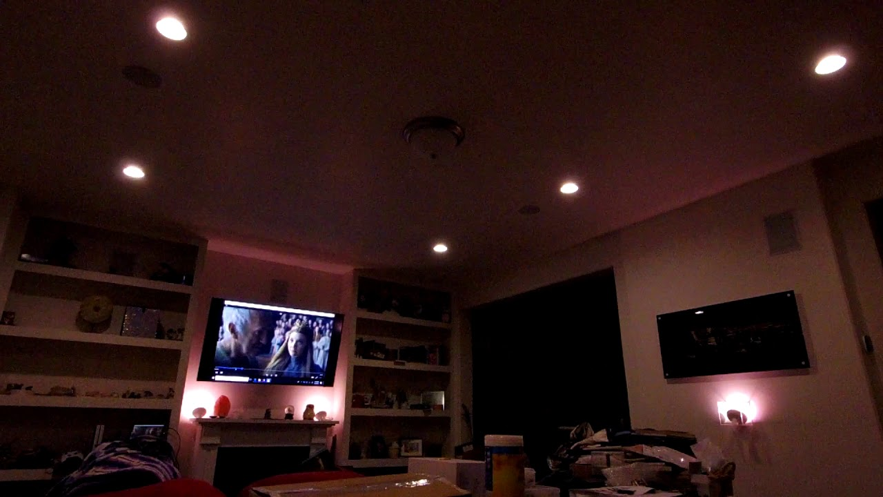 Demonstration of the Philips Hue lights with the Hue Sync app