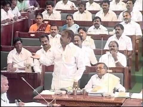 Jayalalitha Vs Vijayakanth fight in TN Assembly in 2012