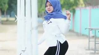 Download Video jilbab goyang sampe akar MP3 3GP MP4