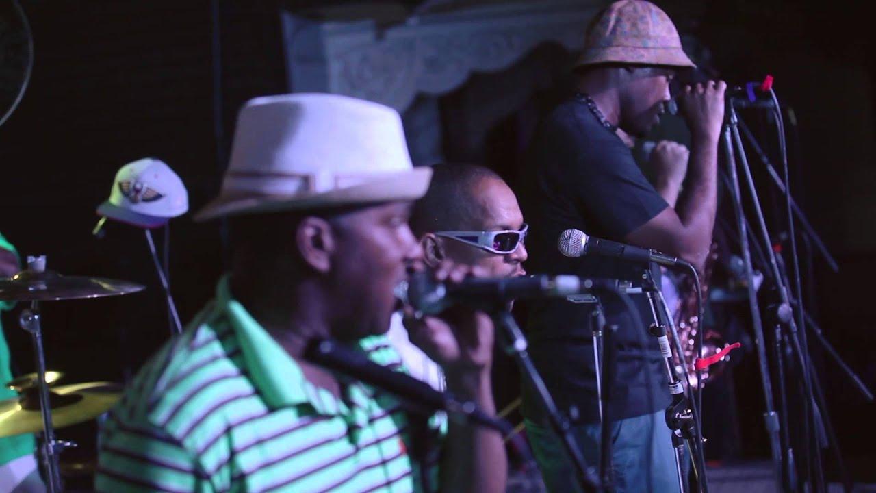 Video: Rebirth Brass Band - Rebirth Groove