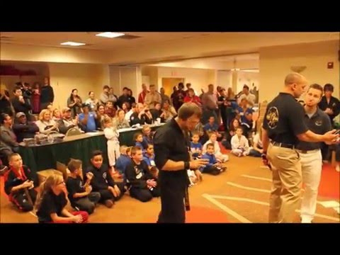 USBA/WBA World Record- Jonathan Field- 30 – 1/2″ boards with spear hands in 19.5 seconds- 11/2015