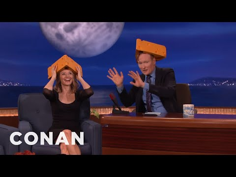 Jodie Foster Is A Passionate Green Bay Packers Fan  - CONAN on TBS