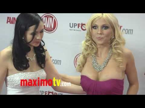 Angell Summers and Christie Stevens at 2012 AVN AWARDS  Red Carpet Arrivals