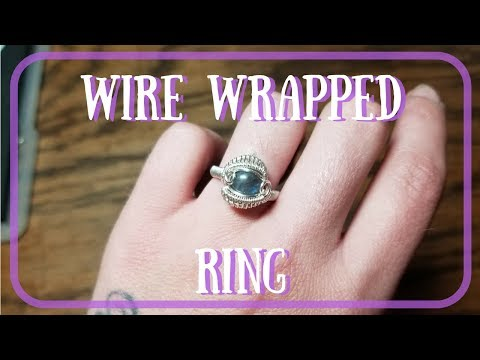 WIRE WRAPPED RING WITH CABOCHON