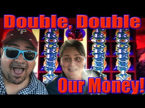WINNING! Live Play and Double our Money! Slot Machine Bonus Wins! - 동영상