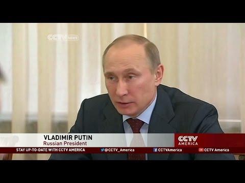 Putin Backs Independent Payment System
