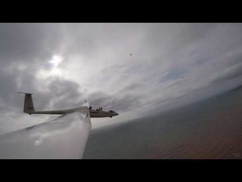 Glider V Cessna...An impossible race!