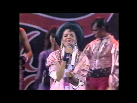 Janet Jackson & Nia Peeples and more -The Kids from Fame - Kids in America , performed Live 1985
