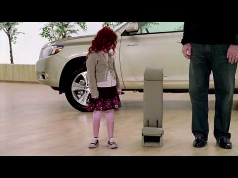2009 Chevy Traverse Commercial Maggie and Howie Long In ...