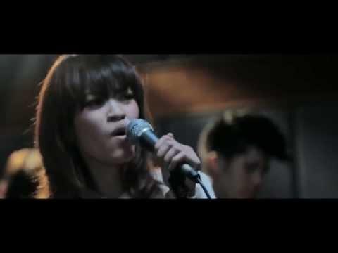 MV ฉันอยู่ตรงนี้ข้างๆเธอ - Klear [OST. I MISS U]