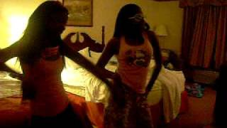 Jori & Taylor dance 2 Crank dat Hally berry